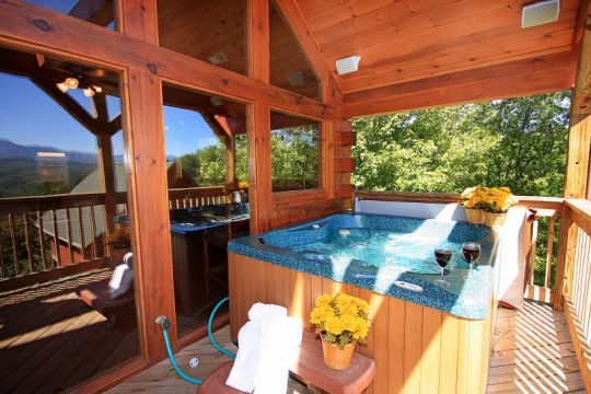 Amenities of vacation rental cabin in pigeon forge tn in for Mountain view cabins pigeon forge tn